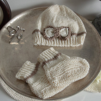 Dark cream knitted hat and booties set 3-6m