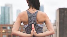 Schneller Einschlafen mit Yoga, Pilates und Meditation