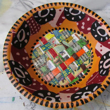 Small bowl with woven cardboard packaging material and fabric