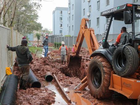 DMAE realiza obras de canalização pluvial na Rua Germano Basler