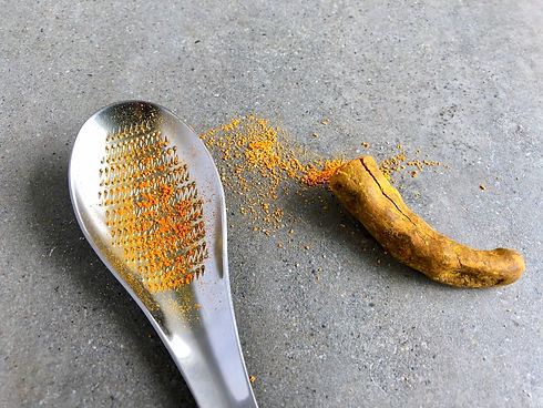 Turmeric-on-spoon.jpg