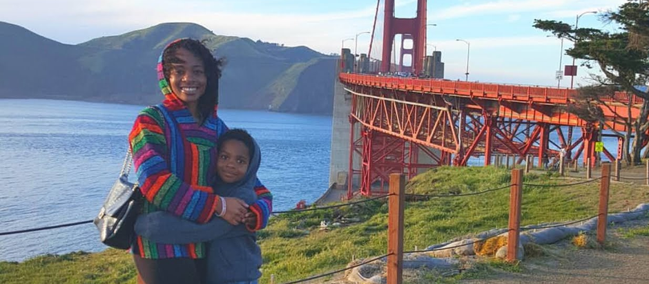 Single Mom Cancels Brick and Mortar School and Travels With Son