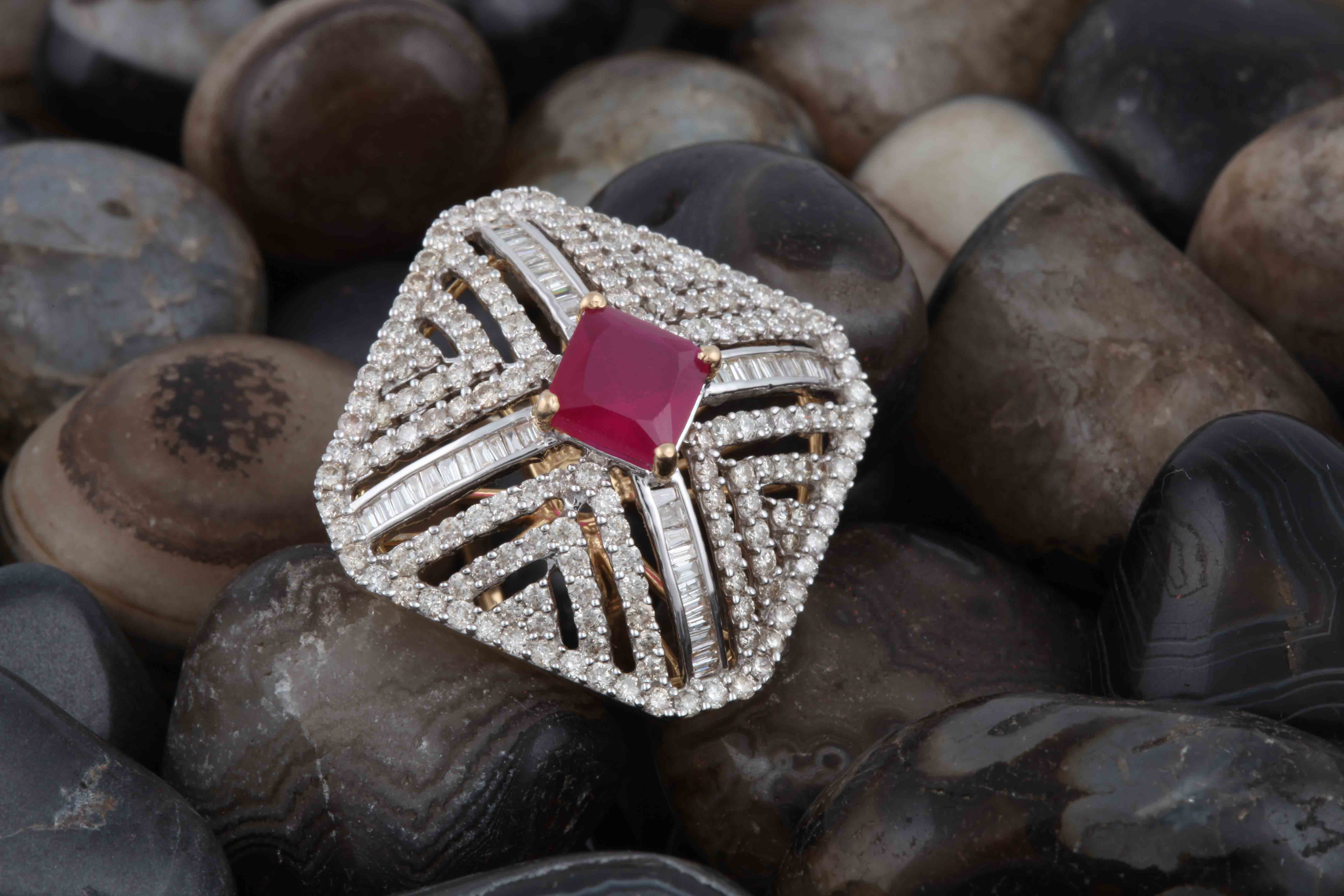 Diamond Ring with Gemstone