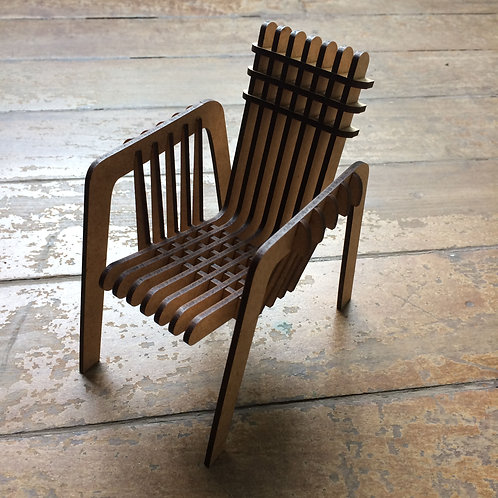 Cadeira Miniatura 3