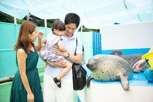 ゴマフアザラシと記念撮影.jpg