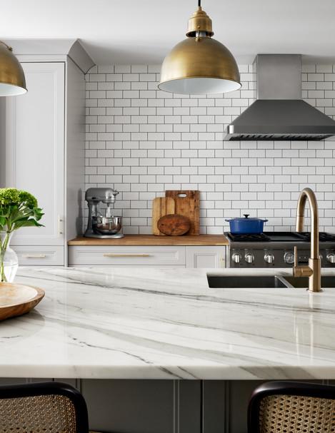natalie-herbert-design-_-full-service-interior-design-_-toronto-ontario-canada-_-328bessborough-natalieherbert16327copyjpg