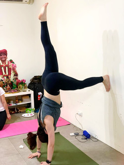 Supported%20handstand_edited