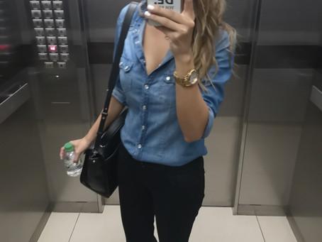 Blusa de jeans un infaltable en tu fondo de armario