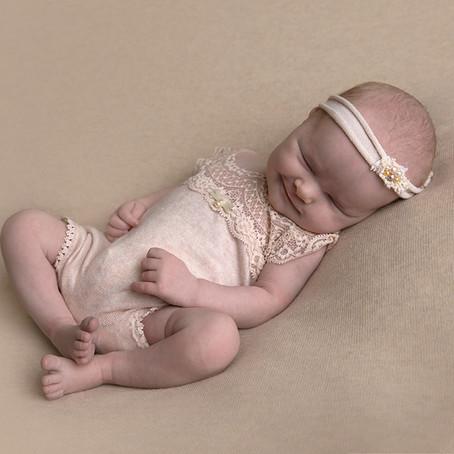 Før du kommer til en nyfødtfotografering bør du vite.....