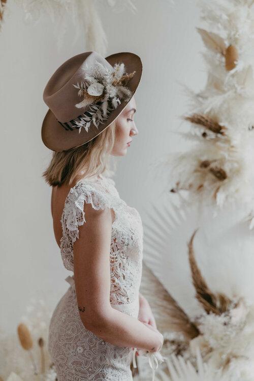 We_Are_Flowergirls_White_Desert_Collecti