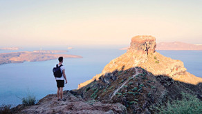 How to get the most out of your Santorini hike from Fira to Oía