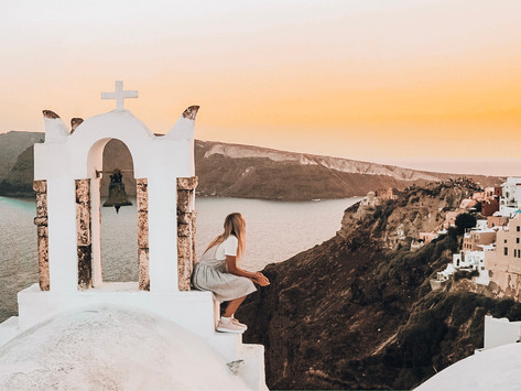 The best ways to enjoy the sunset in the sunset-chasers' paradise: Santorini