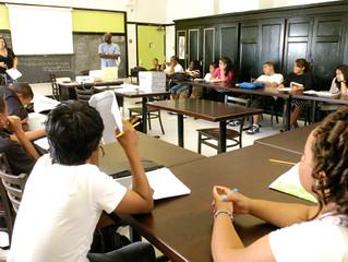 COMMUNITY SCHOOLS - A NATURAL MODEL FOR CHARTER SCHOOLS