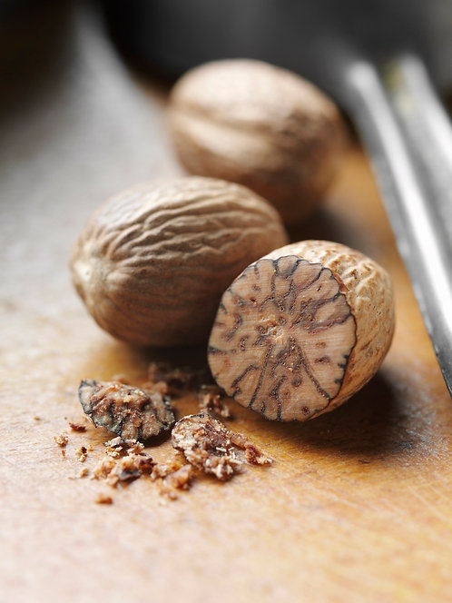 Gourmet Whole Nutmeg