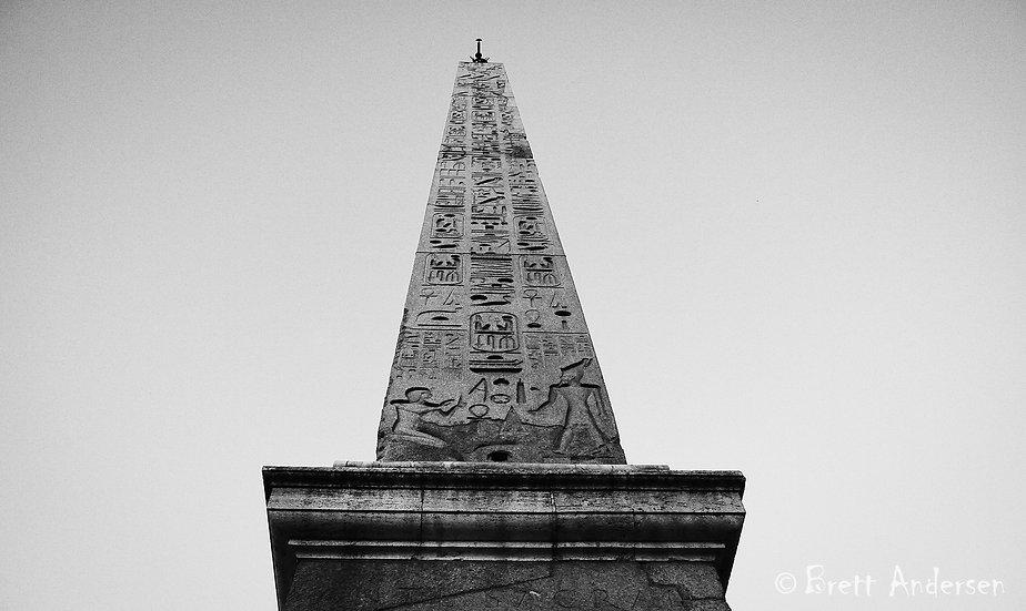 AnEgyptianobelisk in the centre of thePiazza del Popolo.