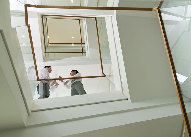 Zakenlieden op Staircase