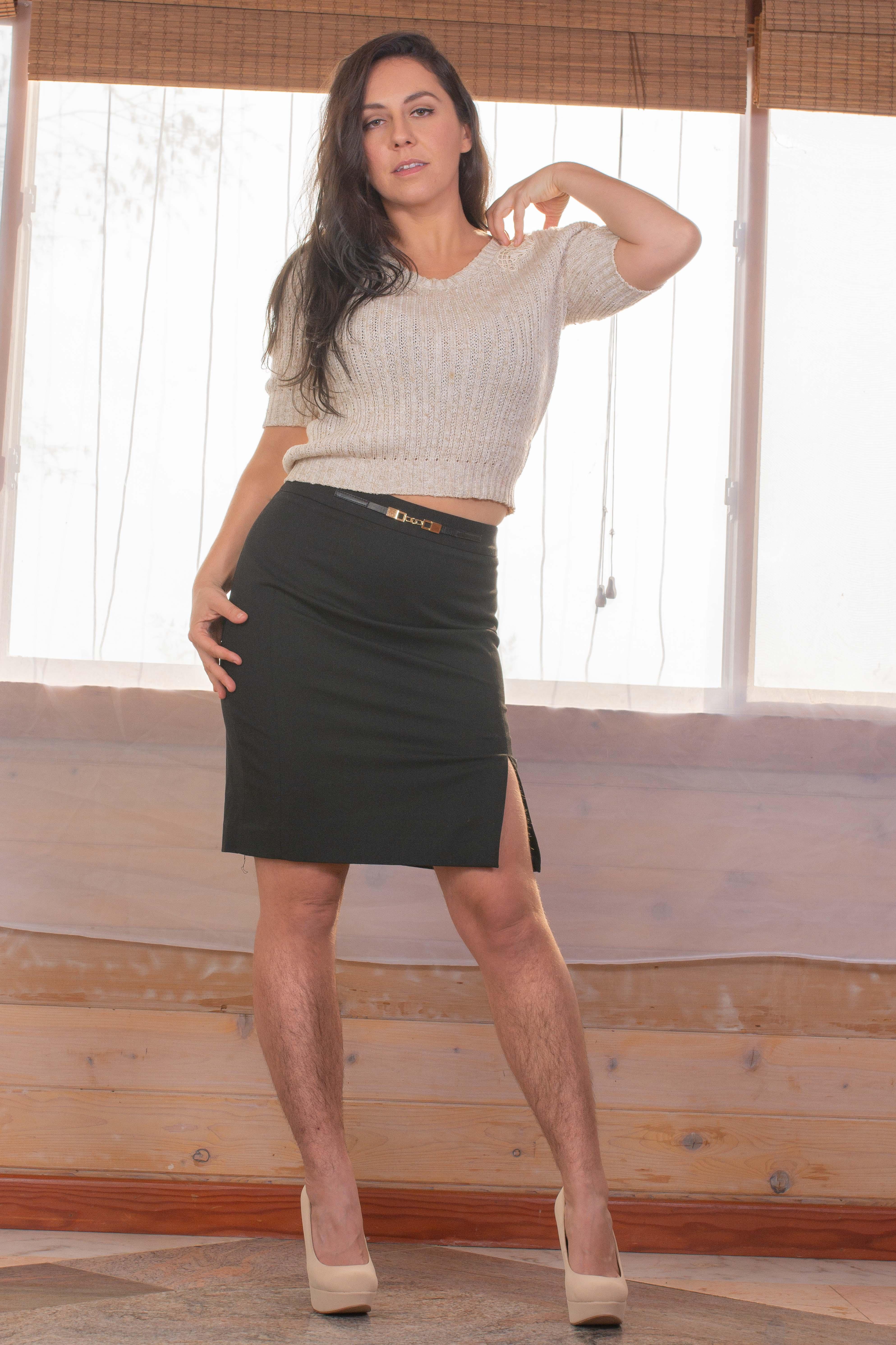 Nikki_Secretary_Escort2