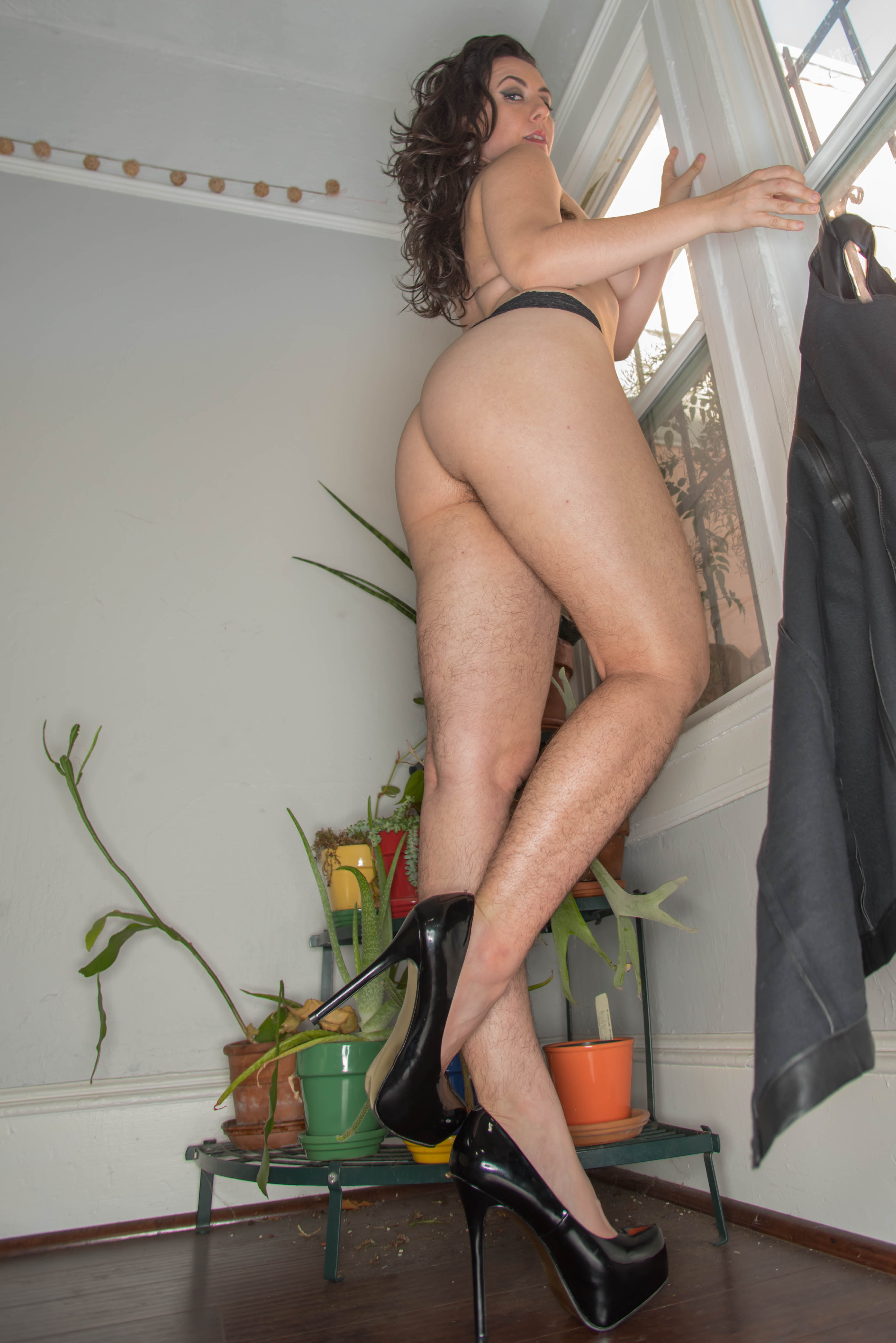 Nikki_Carol_Dom-3