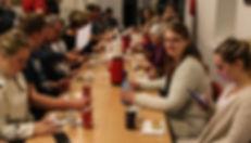 Vi vægter det sociale samvær højt. Vi skiftes til at have kage med til vores øveaften.