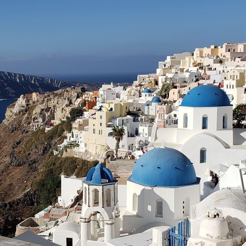Greece_Santorini_Oia_blue domes_2019