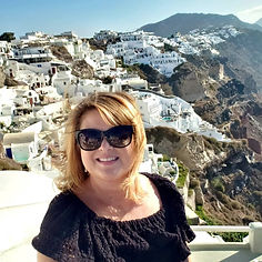 Amy_Greece_Santorini_oia_2019.jpg