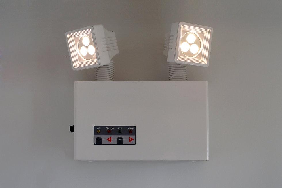 Ceno Brandbeveiliging -Bij stroomuitval zorgt de noodverlichting voor herkenning van de aanwezige (nood)uitgangen.