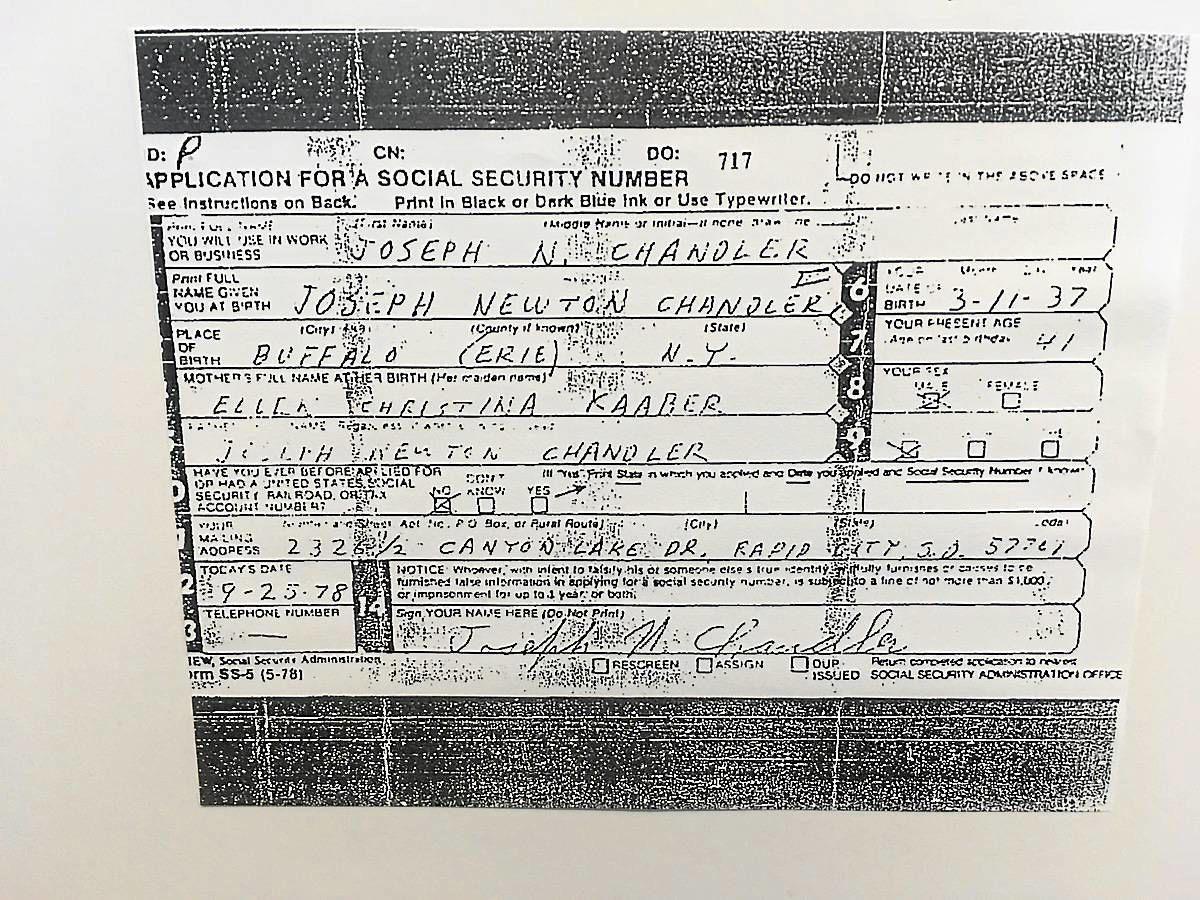 Карточка социального страхования на имя Джозефа Ньютона Чендлера III