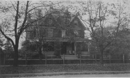 Дом Холлов в 1922 году