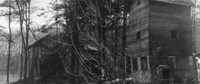 Corpsewood Manor Exterior.jpg