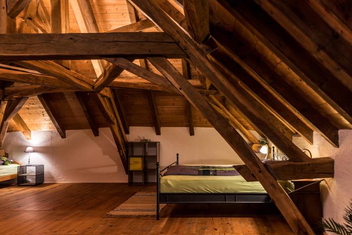Zimmer 1 – Doppel- und Einzelbett