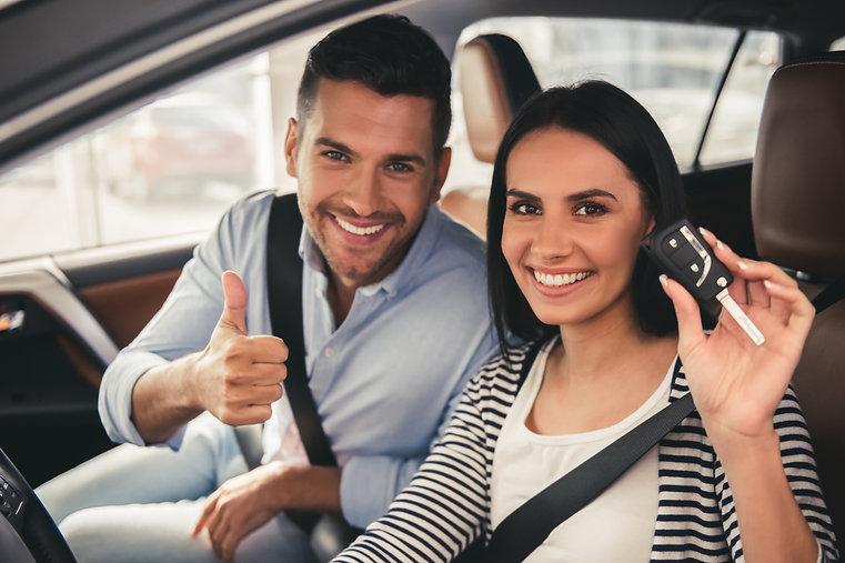 Couple achat de voiture