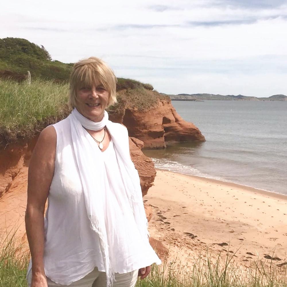 Louise Girard à la mer