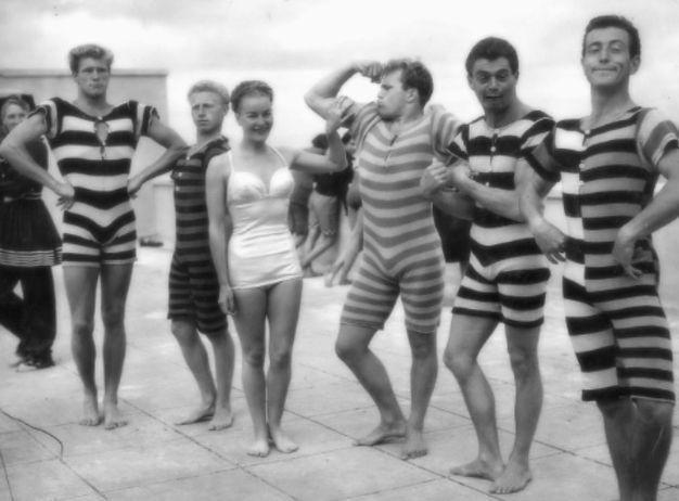Femme et hommes maillots de bain vintage