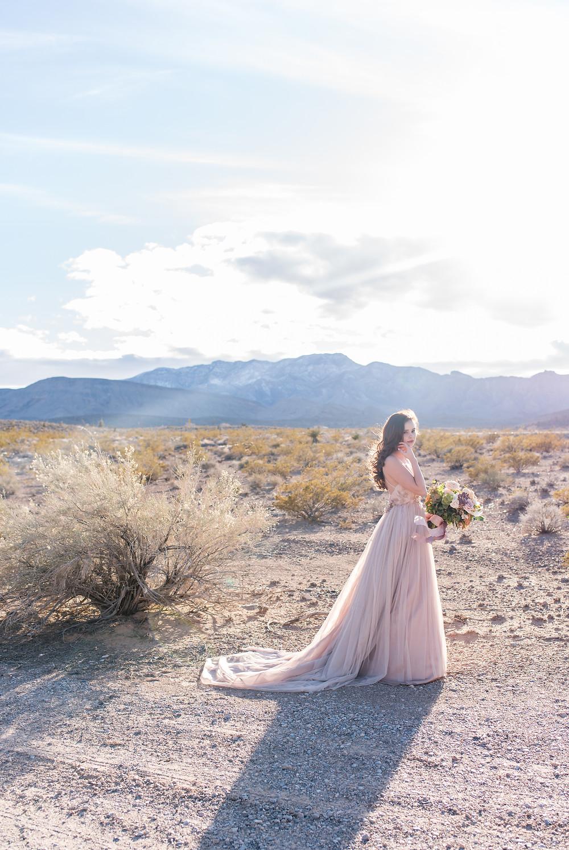 desert wedding, styled shoot, las vegas, las vegas wedding photographer, red rock, intimate wedding, vegas elopement, wedding inspiration