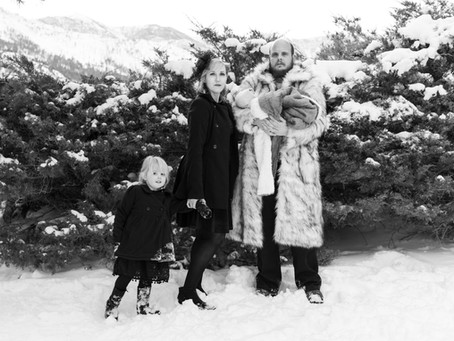 1940's Inspired Winter Family Portraits