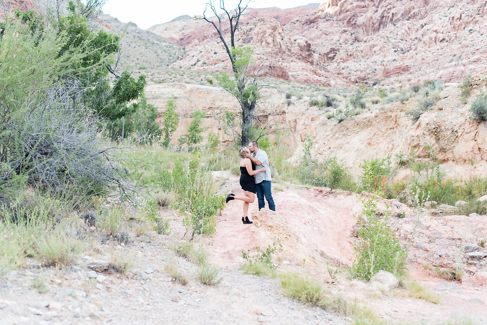 red rock canyon, red rock engagement photos, las vegas, las vegas engagement photos, las vegas wedding, las vegas wedding photographer, vegas photographer, vegas elopement, destination photographer, destination wedding, destination engagement