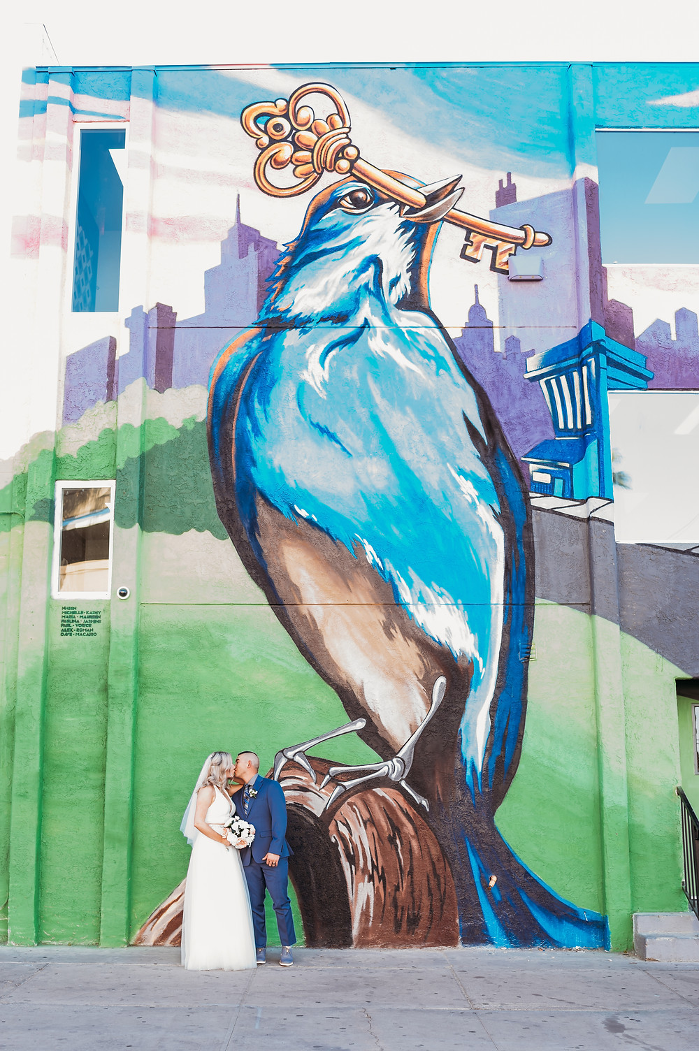 las vegas wedding, las vegas, art mural, downtown las vegas, vegas bride and groom, vegas wedding, vegas bride, downtown portraits, wedding portrait, couples portraits, vegas elopement, las vegas intimate wedding, intimate wedding, destionation wedding, elopement
