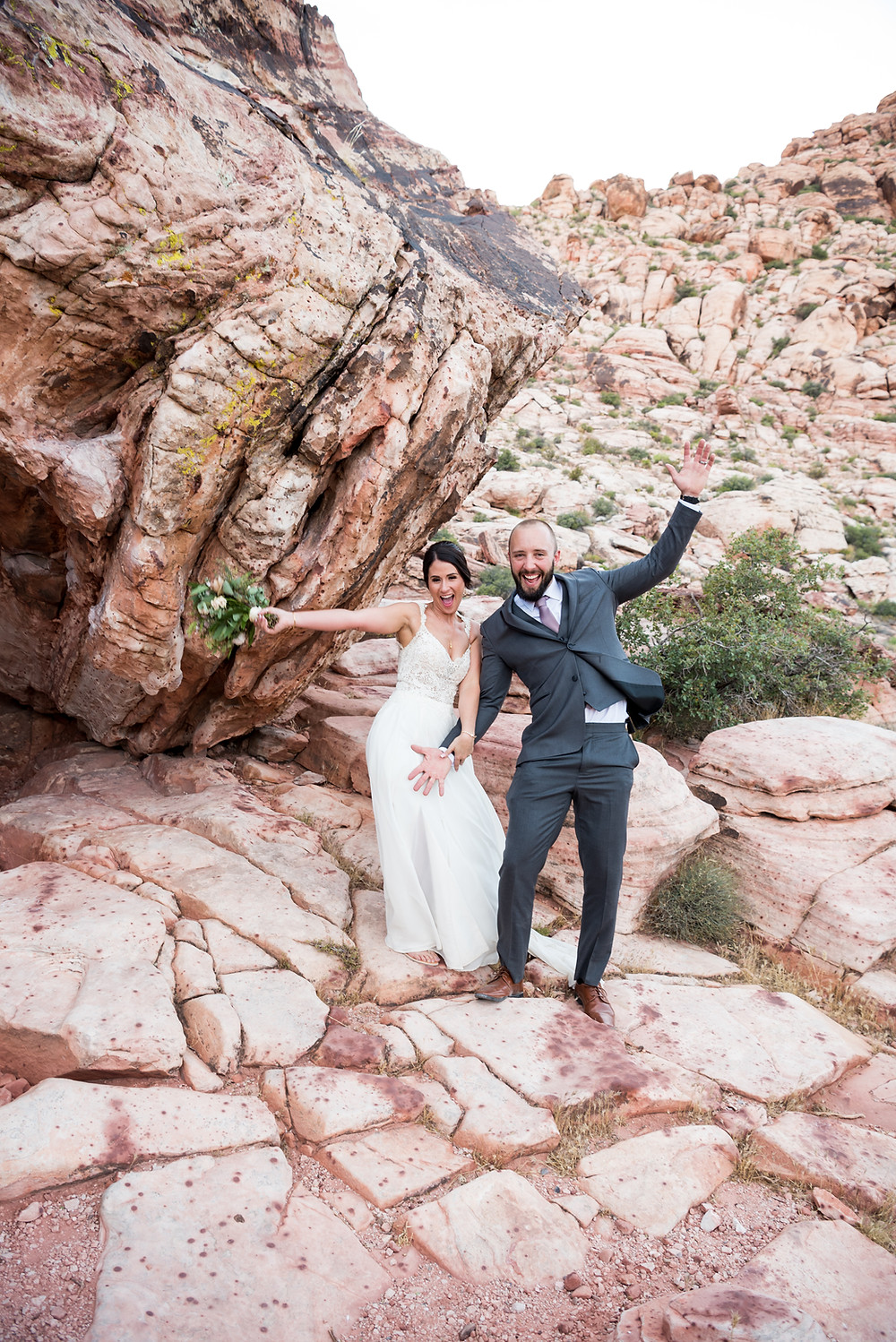 red rock wedding, las vegas wedding, las vegas elopement, vegas wedding, red rock wedding, red rock elopement, vegas wedding ceremony, bridal portraits, vegas photography, las vegas wedding photographer, vegas wedding photographer, vegas elopement photographer, vegas bride, vegas wedding ideas, vegas wedding inspiration