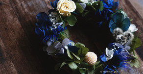 | 花圈 | 靜謐藍小花圈 Mini Wreath in Peacock Blue