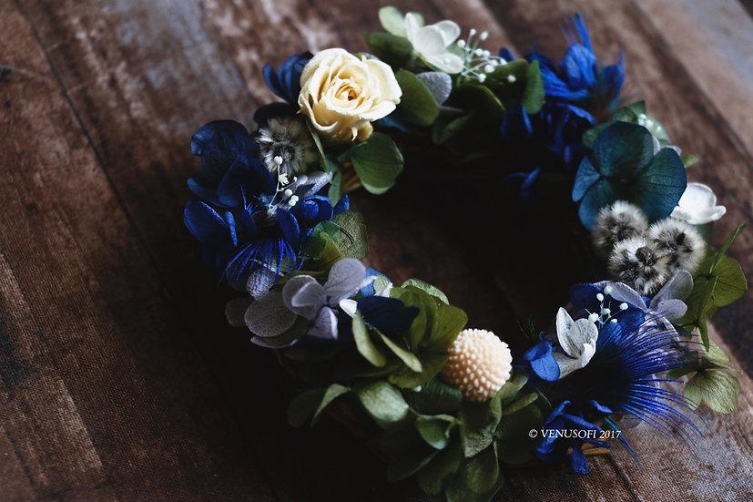 靜謐藍小花圈 Mini Wreath in Peacock Blue