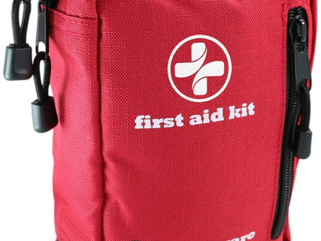 Best compact  first Aid kit for outdoors.