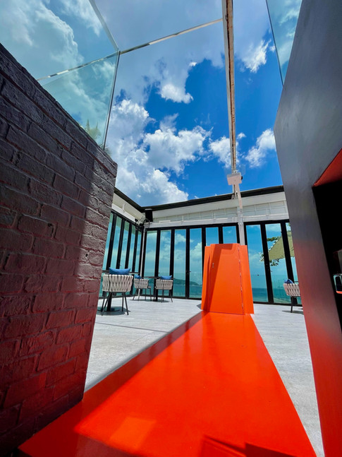 Rooftop bar - L'Arôme by the sea