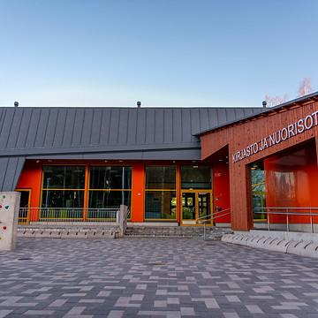 Biblioteca e centro giovanile di Aunela