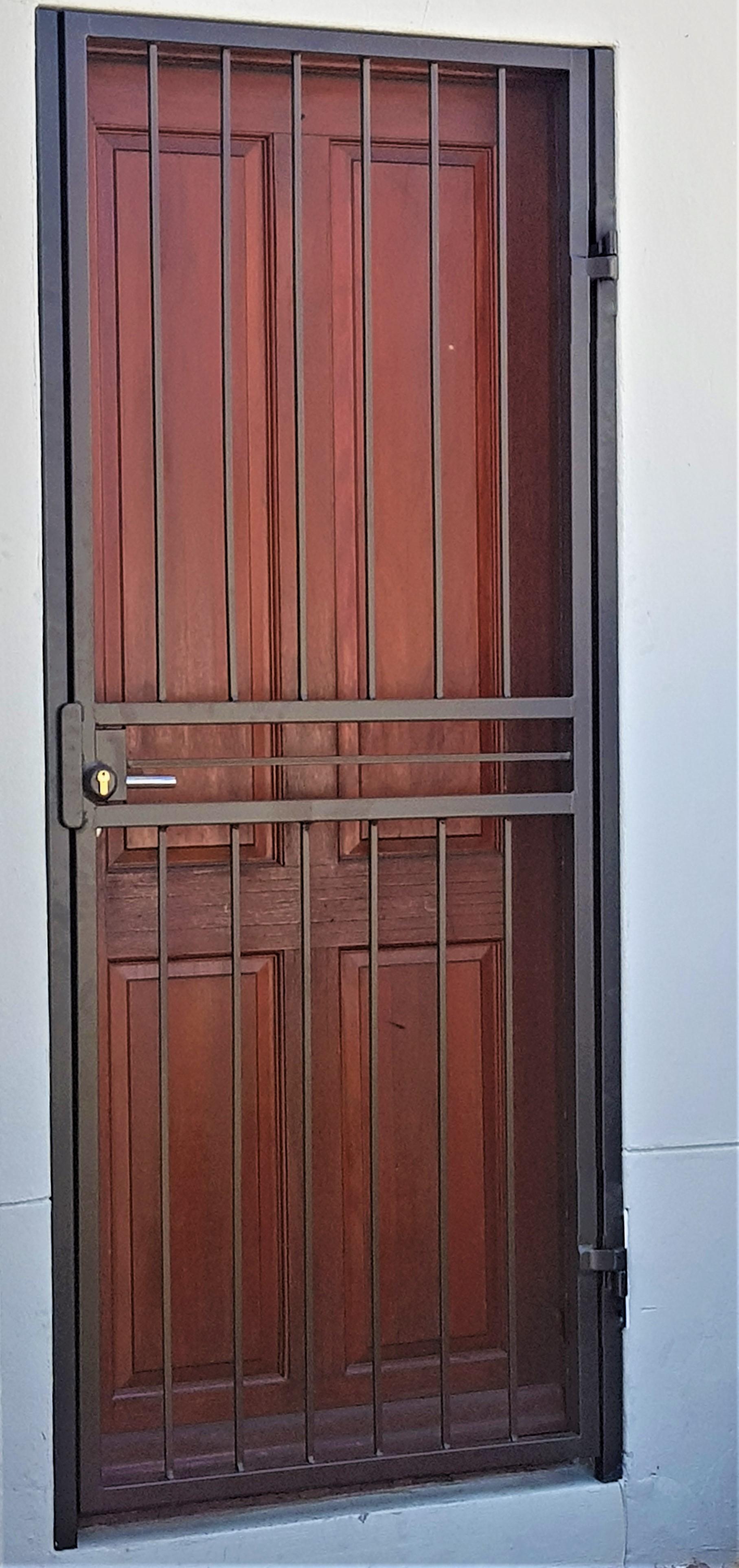 Security gate7