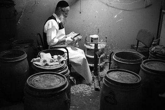ultra orthodox at work cook Israel kugel