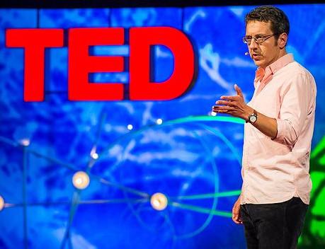 George Monbiot er en aktiv miljøforkæmper. Her ses han holde en tale under en Ted-konference i 2013. Foto: