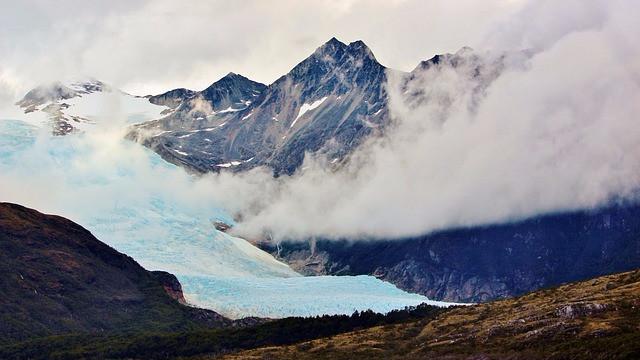Gletsjere i varmere områder eroderer hurtigere og flytter sedimenter med sig, hvilket ændrer landskabet. Foto: Pixabay