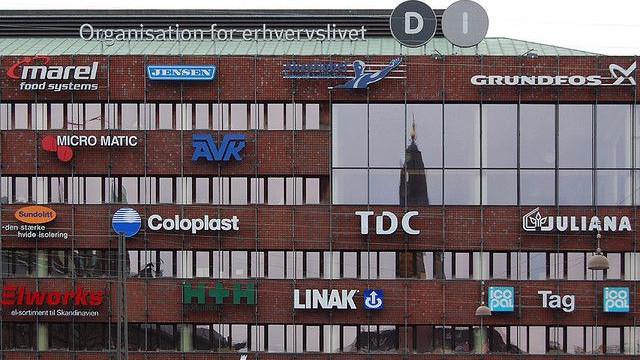 Organisationen Dansk Industri er blandt de seneste kritikere af Venstres bebudede besparelser på det grønne område. Foto: Neil Hester/flickr