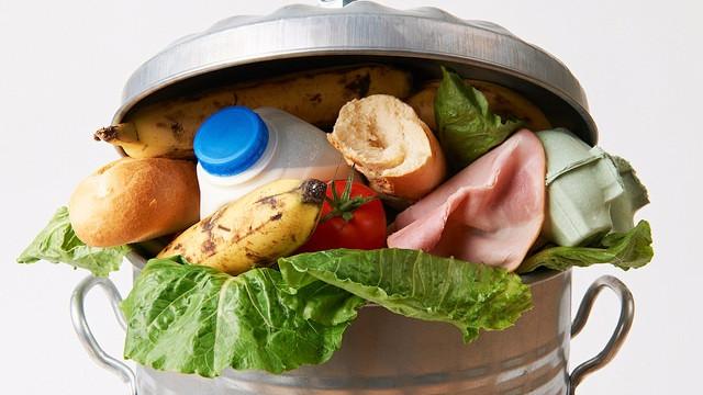 En tredjedel af al mad i verden smides ud. Foto: U.S. Department of Agriculture/flickr
