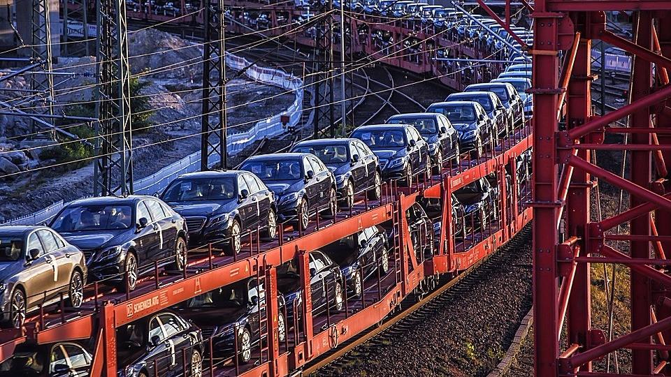 Kravene til bilers udstødningsgasser er for stramme og bør slækkes, mener producenterne. Foto: Pixabay